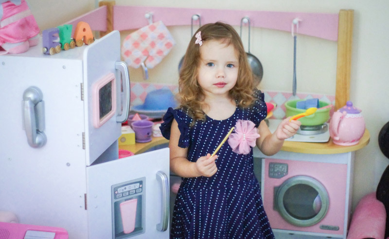 10 Best Wooden Play Kitchens For Kids Who Love To Cook