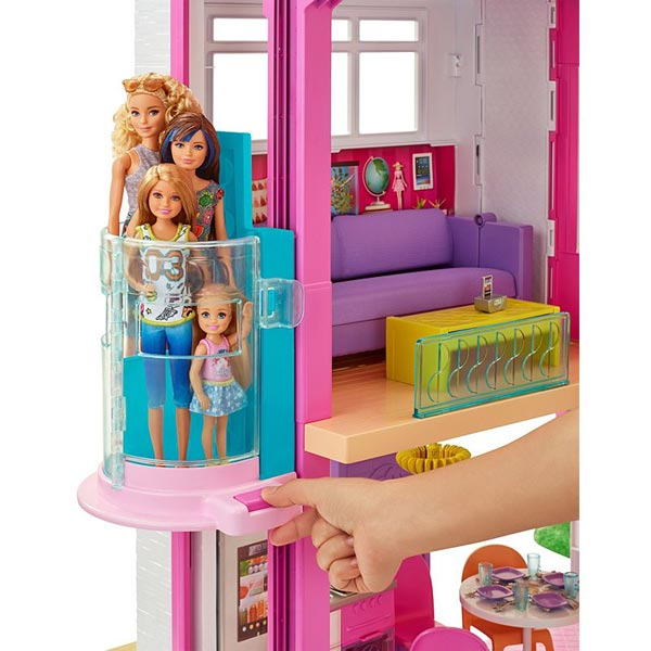 We Loved The Smart Home But There S Something About Simplicity Of Newest Barbie Dream House Without All Elaborate Features